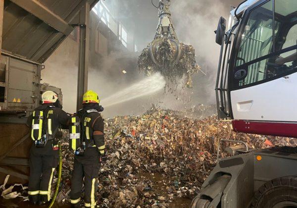 Industriebrand in Hartl