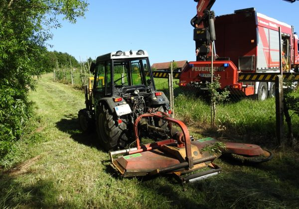 Traktor drohte abzustürzen