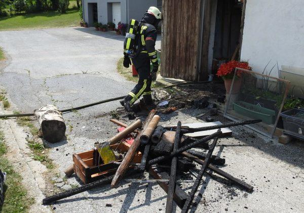 Wirtschaftsgebäudebrand in Hinteregg