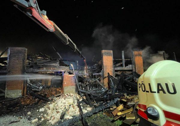 Wirtschaftsgebäudebrand in Baumgarten