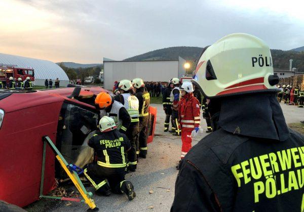 Novemberübung: Verkehrsunfall mit 16 Verletzten